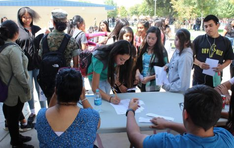 Club Rush Gets Students Involved